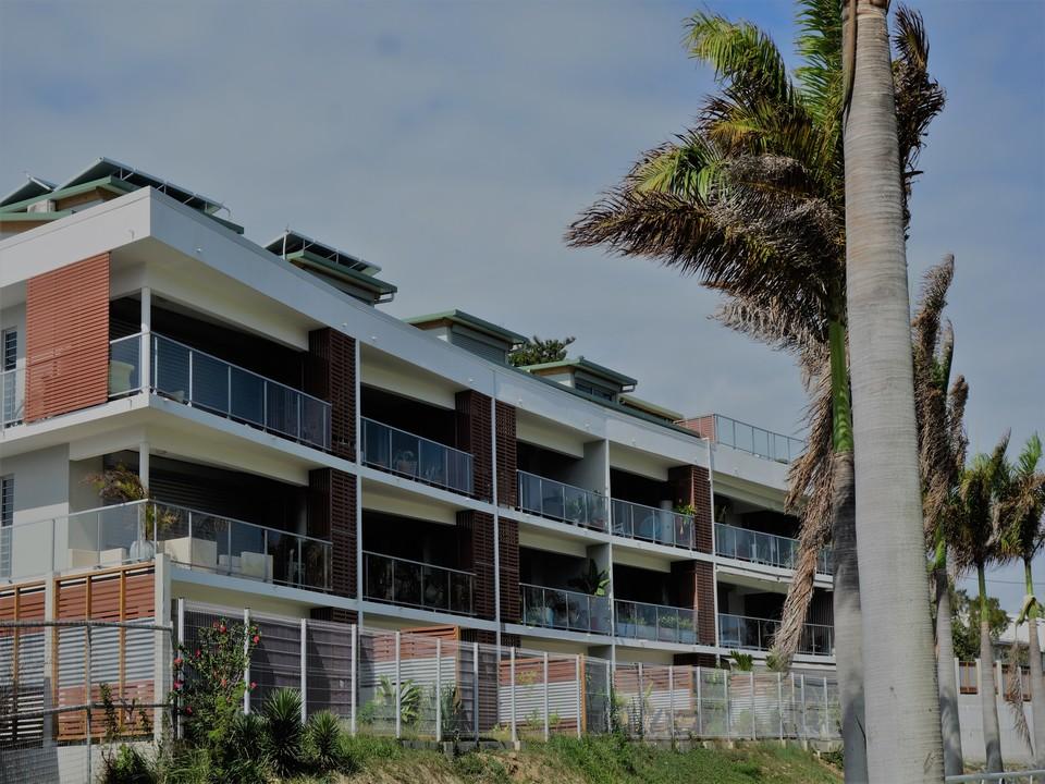 chantier de construction zone commerciale les terrasses de l'anse uare à ducos